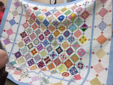Here is Sherre's completed Farmer's Wife Quilt - stunning! Check out the details she added to the corners! She is amking shams and accent pillows too!
